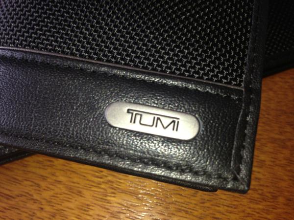 TUMIなのにリーズナブルな長財布はオススメの逸品