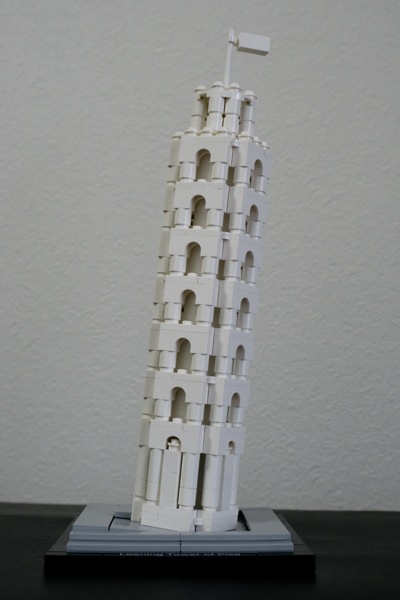 LEGO: 21015 The Leaning Tower of Pisa を組みました。斜め感の作り方が素晴らしい