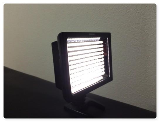 静物撮影の光量不足はビデオカメラ用LEDライト YN160S で解消!