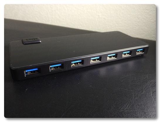 USB3.0の7ポートハブを買いました、色々繋ぎ換えなくてすむのは便利です