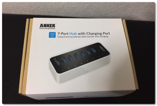 Ankerの7 Port Hubの小さいヤツは置き場所をとらなくて便利です