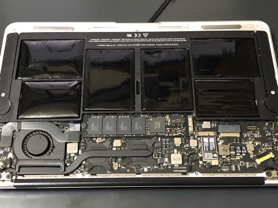 MacBook Air Late 2010 のバッテリーがへたったので交換してみた