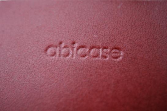 とうとうabicase cawaのジャケットタイプを入手!真っ赤な革が美しい!