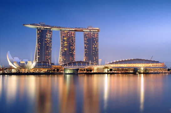 Marina Bay Sands in the evening 20101120