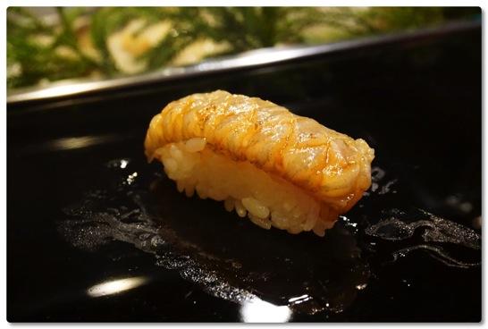 優雅を通り越して甘美な時間を堪能させていただいた札幌の金寿司、本気の寿司に久々に出会った
