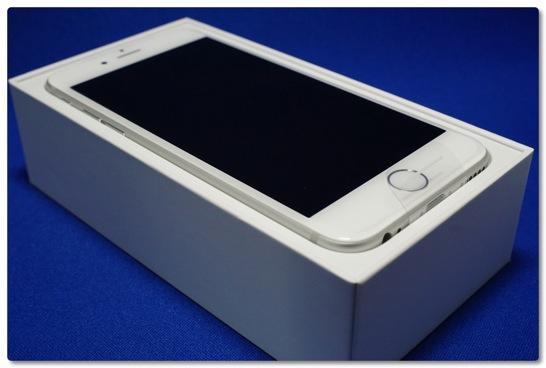 iPhone 6 がやってきた、4.7インチでも十分大きいのに Plus を買った人はどうなるんだろう…