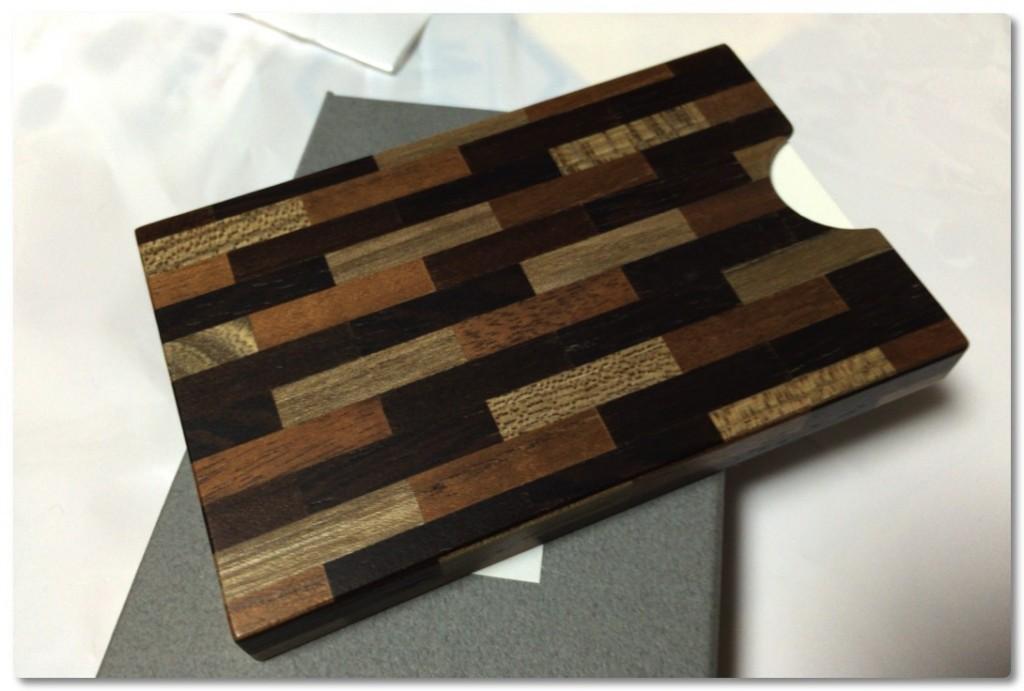 久々に一目惚れ!寄せ木細工でできた名刺入れを購入しました
