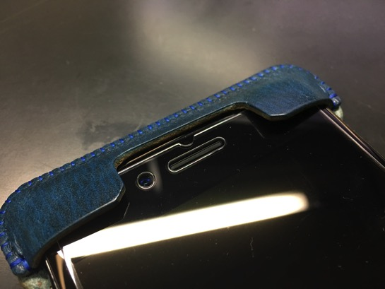 iPhone 7 Plus 用フィルムは Anker GlassGuard です