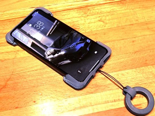 iPhone XS Max用もいつものように abicase を装着してやっと本来の性能になりました